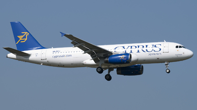 5B-DCJ - Airbus A320-232 - Cyprus Airways