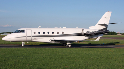 A picture of PROFT - Gulfstream G200 Galaxy - [027] - © Terry Wade