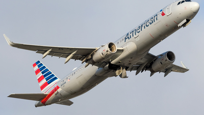 A picture of N143AN - Airbus A321231 - American Airlines - © Hector Rivera-HR Planespotter