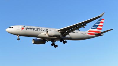 N292AY - Airbus A330-243 - American Airlines