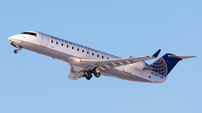 N457AW - Bombardier CRJ-200LR - United Express (Air Wisconsin)
