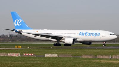 A picture of ECJZL - Airbus A330202 - [0814] - © Bjoern Huke