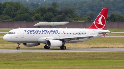 TC-JPH - Airbus A320-232 - Turkish Airlines