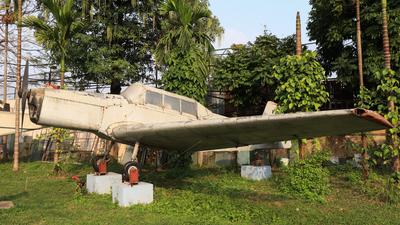 101 - Zlin Z-226MS Trener - Vietnam - Air Force