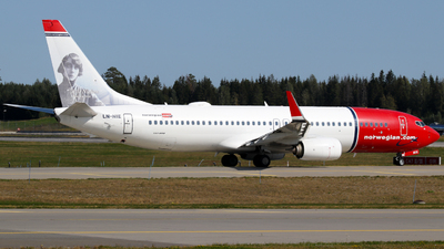 A picture of LNNIE - Boeing 7378JP - Norwegian - © Kamil Pisarski