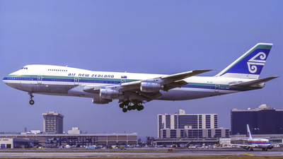 ZK-NZX - Boeing 747-219B - Air New Zealand