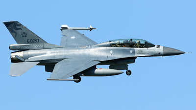 6820 - General Dynamics F-16B Fighting Falcon - Taiwan - Air Force