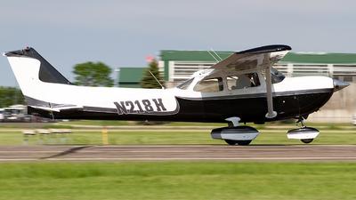 A picture of N218H - Cessna R172K Hawk XP - [R1722840] - © Jeremy D. Dando
