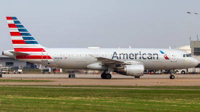 A picture of N102UW - Airbus A320214 - American Airlines - © Centex Spotter