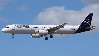 A picture of DAIDB - Airbus A321231 - Lufthansa - © Rebecca Kloss
