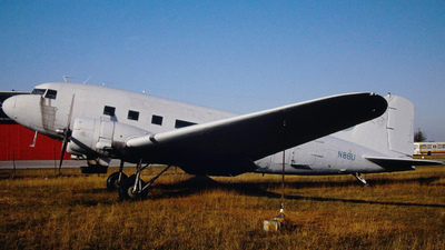 N86U - Douglas DC-3 - Private