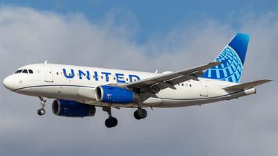 N876UA - Airbus A319-132 - United Airlines