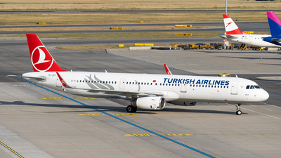 A picture of TCJST - Airbus A321231 - Turkish Airlines - © Thomas Ranner