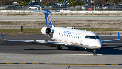 A picture of N925SW - Mitsubishi CRJ200LR - United Airlines - © Ricky Teteris
