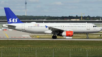 A picture of OYKAY - Airbus A320232 - SAS - © Claus Seifert
