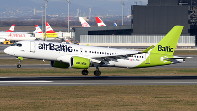 A picture of YLCSB - Airbus A220300 - Air Baltic - © Max Hrusa