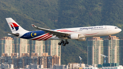 A picture of 9MMTH - Airbus A330323 - Malaysia Airlines - © Thomas Tse
