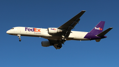 A picture of N794FD - Boeing 757222(SF) - FedEx - © Huy Do