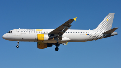 EC-JYX - Airbus A320-214 - Vueling Airlines