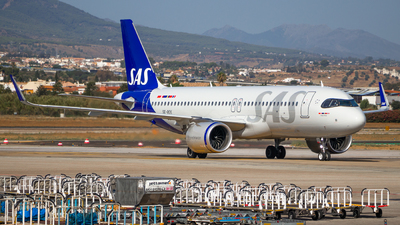 A picture of SEROK - Airbus A320251N - SAS - © James Dinsdale