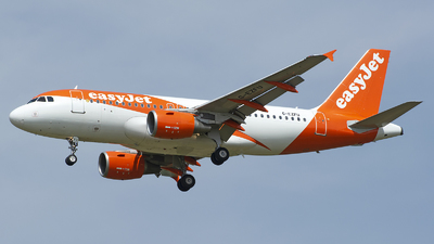 A picture of GEZFU - Airbus A319111 - easyJet - © András Soós