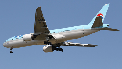 A picture of HL7575 - Boeing 7772B5(ER) - Korean Air - © Chansik Shim