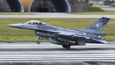 6687 - General Dynamics F-16AM Fighting Falcon - Taiwan - Air Force