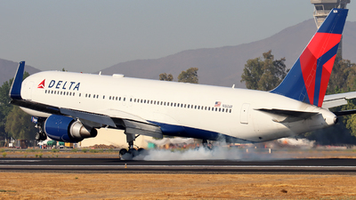 A picture of N1604R - Boeing 767332(ER) - Delta Air Lines - © Francisco Muro