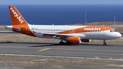 A picture of HBJZZ - Airbus A320214 - easyJet - © Manu Aldana