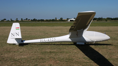 HA-4325 - Schempp-Hirth Cirrus - Private