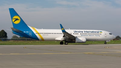 A picture of URPSN - Boeing 73786N - Ukraine Int. Airlines - © Vasia Mechanic