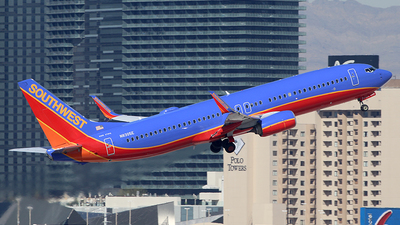 N8305E - Boeing 737-8H4 - Southwest Airlines