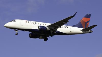 A picture of N815MD - Embraer E170SU - Delta Air Lines - © Sebastian C