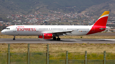 A picture of ECJEJ - Airbus A321213 - Iberia Express - © J.M.Carballo