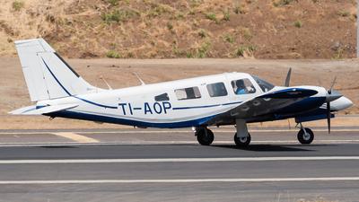 TI-AOP - Piper PA-34-200T Seneca II - Prestige Wings