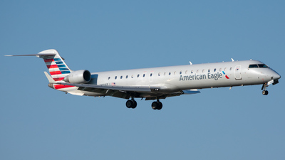 A picture of N906FJ - Mitsubishi CRJ900ER - American Airlines - © Skier737