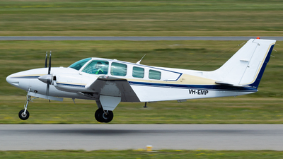 VH-EMP - Beechcraft 58 Baron - Private