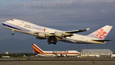 B-18715 - Boeing 747-409F(SCD) - China Airlines Cargo
