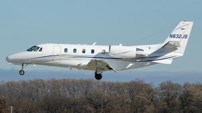 A picture of N832JS - Cessna 560XL Citation Excel - [5605070] - © Stephen J Stein