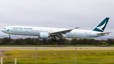 A picture of BKPE - Boeing 777367(ER) - Cathay Pacific - © Eric Esots