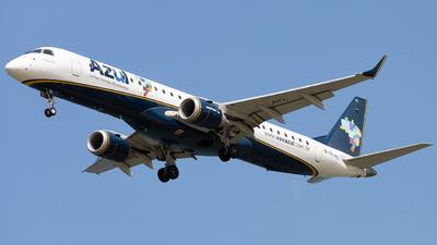 A picture of PRAYL - Embraer E195AR - Azul Linhas Aereas - © Augusto Fernandes