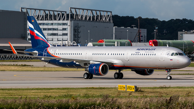 D-AYAI - Airbus A321-211 - Aeroflot