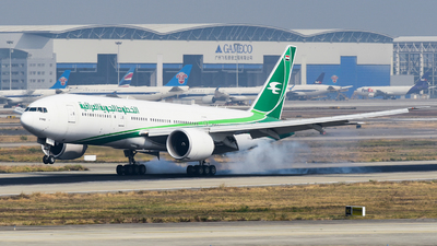 A picture of YIAQZ - Boeing 77729M(LR) - Iraqi Airways - © SS8-0002