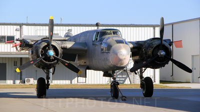 - North American B-25J Mitchell - Private