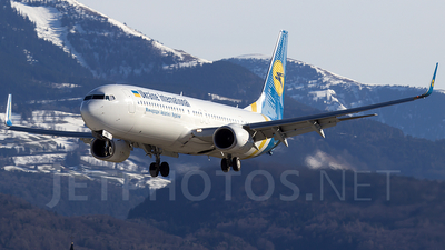 UR-PSL - Boeing 737-94XER - Ukraine International Airlines