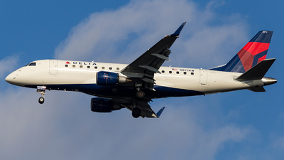 N872RW - Embraer 170-100SE - Delta Connection (Republic Airlines)