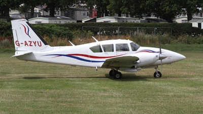 G-AZYU - Piper PA-23-250 Aztec E - Private