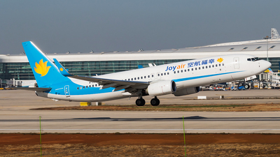 B-208V - Boeing 737-8ME - Joy Air