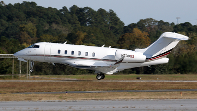 A picture of N738QS - Bombardier Challenger 350 - NetJets - © Kevin Porter