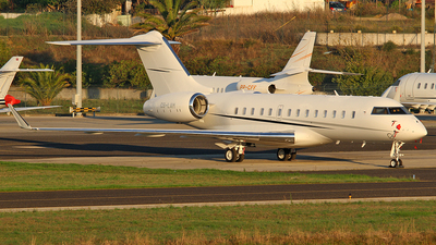 CS-LAM - Bombardier BD-700-1A11 Global 5000 - Private